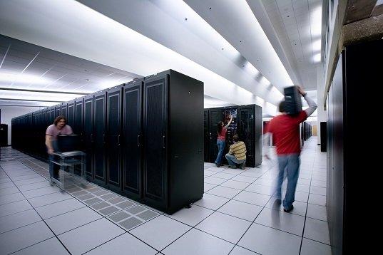 Где арендовать сервер и нужно ли это новичкам