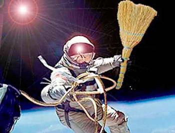Роскосмос займётся расчисткой космоса от мусора